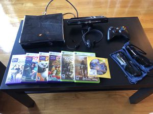 Xbox 360 (complete with accessories and games) for Sale in New York, NY
