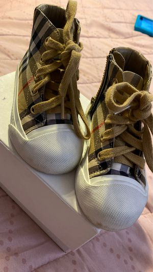 burberry shoes for Sale in City of Industry, CA