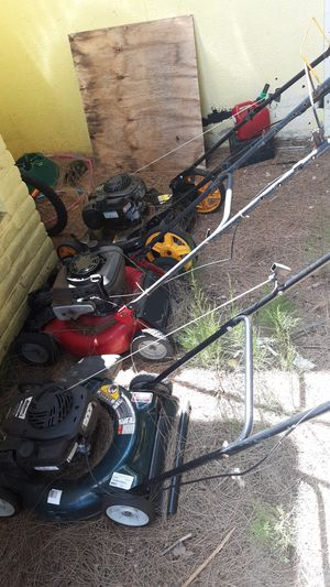 3 non working lawn mowers for Sale in West Palm Beach, FL