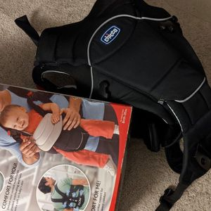 Chicco you and me deluxe baby carrier for Sale in Southborough, MA