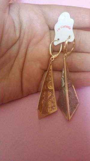 18k real gold earing for Sale in Falls Church, VA