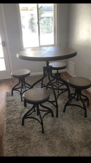 Kitchen Table + Stools for Sale in San Jose, CA