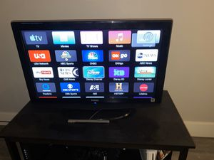 Haier 32 in tv for Sale in Maple Heights, OH