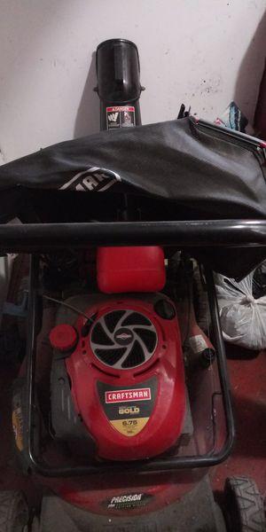 Lawn mower craftdman 6.75 torque....190cc for Sale in Chicago, IL