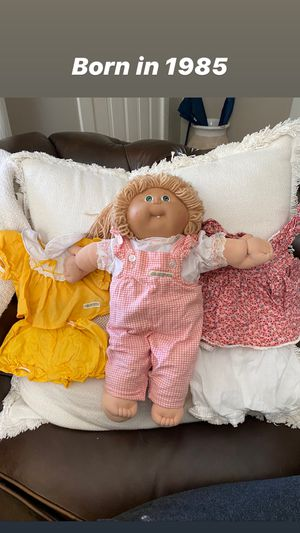 Vintage 1985 Cabbage Patch Doll + 2 outfits for Sale in Atlanta, GA