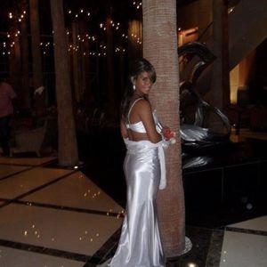 White Prom Dress for Sale in Miami, FL