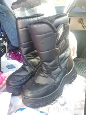 Snow boots, kids 13, like new for Sale in San Jose, CA