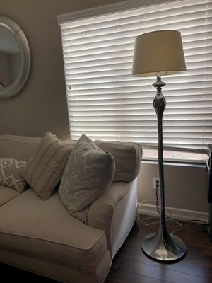 Floor lamp - FREE extra lamp shade for Sale in Fontana, CA