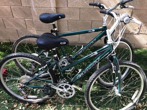 Pair of Men's Women's Giant Sedona CS Mountain bikes for Sale in Las Vegas, NV
