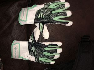 Batting gloves for Sale in Madera, CA