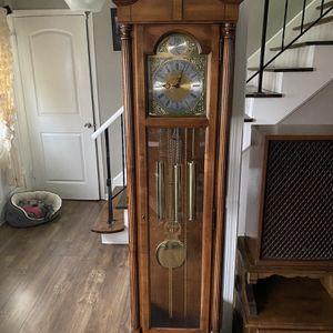 Clock Howard Miller Made in USA for Sale in Carol Stream, IL