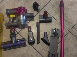 Dyson V7 Motorhead with extra attachments brand new the tube has a dent for Sale in Paramount, CA