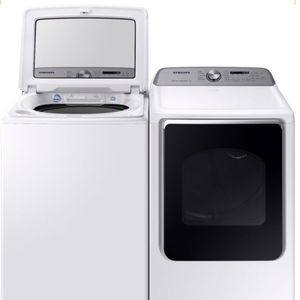 NEW Samsung - 7.4 Cu. Ft. 10-Cycle Gas Dryer with Steam/Washer Set White for Sale in Portland, OR
