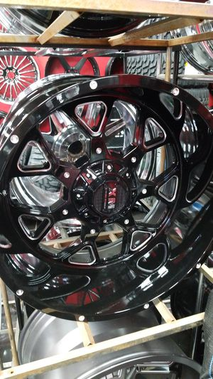 22x12 with 35s or 33s set of rim n tire package for Sale in Houston, TX
