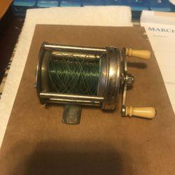 Vintage Pflueger bait casting reel for Sale in Memphis,  TN