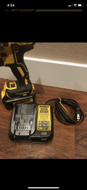 Dewalt hammer drill with charger for Sale in Spanaway, WA