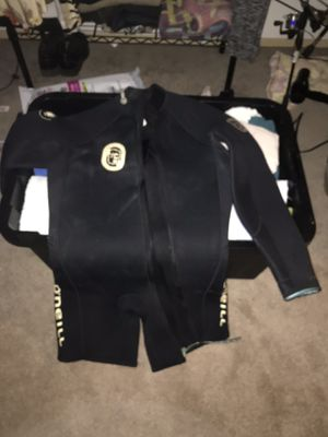 O'Neill Wet Suit, long sleeve, mid thigh, perfect for any water sports or diving. Fits a men's medium to large. Women, large to XL for Sale in Pāhoa, HI