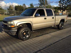 Chevy Silverado 4x4 HD 2500 2002 for Sale in Los Angeles, CA