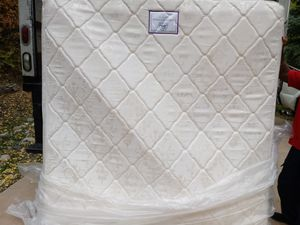 New king Size Pillow Top for Sale in Denver, CO