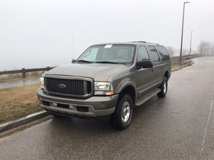 2005 ford excursion lariat edition for Sale in Quincy, MA