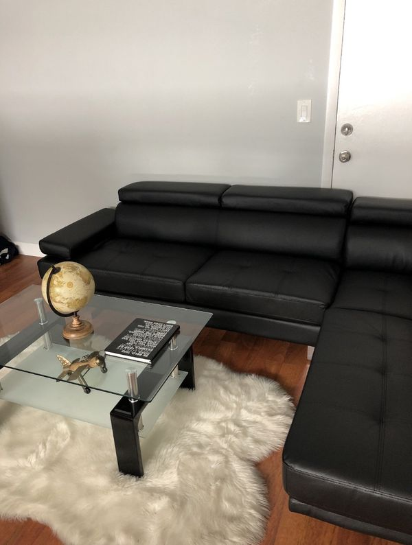 Poundex Couch Great Condition Great Deal