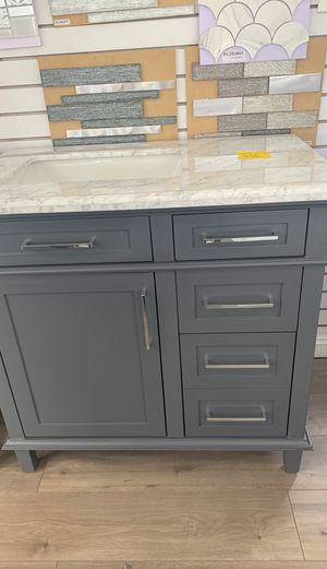 """36"""" Newport with marble countertop for Sale in Anaheim, CA"""