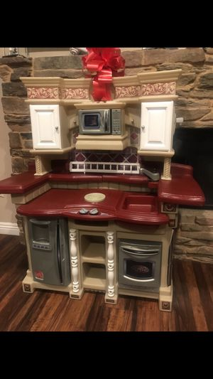 Kids kitchen almost brand new for Sale in Montclair, CA