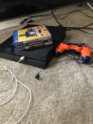 PS4 $200 for Sale in North Chesterfield, VA
