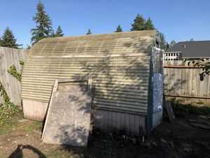 Free greenhouse chicken coop for Sale in Tacoma, WA