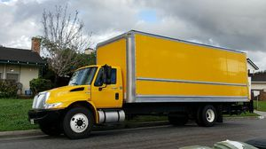 2013 INTERNATIONAL. 4300 TRUCK for Sale in Los Angeles, CA