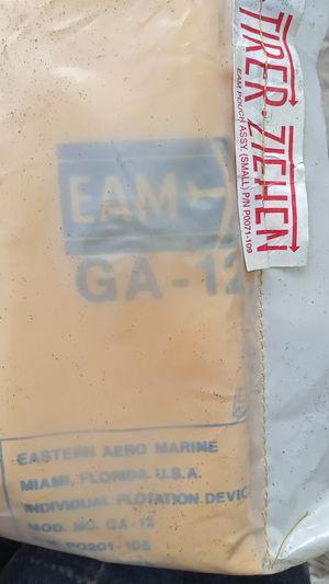 EAM GA12 FLOTATION DEVICE for Sale in Merrillville, IN