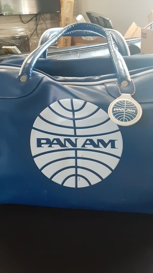 PAN AM BLUE LEATHER VINTAGE TRAVEL BAG for Sale in New Chicago, IN