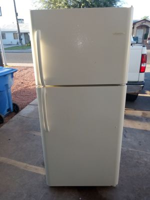 Refrigerator Frigidaire for Sale in Phoenix, AZ