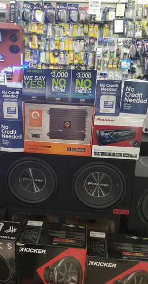 Pioneer Stereo & Subwoofer System with Free Installation for Sale in North Las Vegas, NV