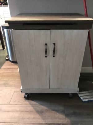 Small Kitchen island cart for Sale in Riverside, CA