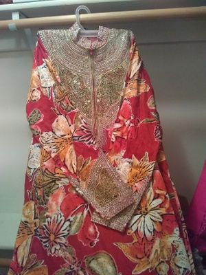 Long dress for Sale in Grand Island, NE