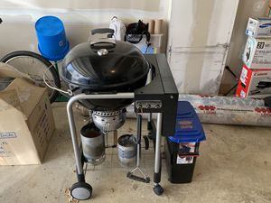 """Weber 22"""" Performer charcoal grill and accessories for Sale in Alexandria, VA"""
