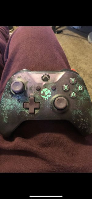 Sea of thieves Xbox one remote like brand new for Sale in Salem, OR