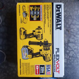 Dewalt flexvolt hammer drill impact driver combo kit brand new for Sale in Federal Way, WA