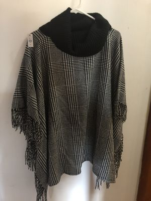 Beautiful brand new with tags poncho from Talbot's. Size M/L for Sale in Wallingford, CT