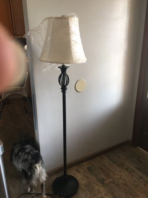 Floor lamp for Sale in Jurupa Valley, CA