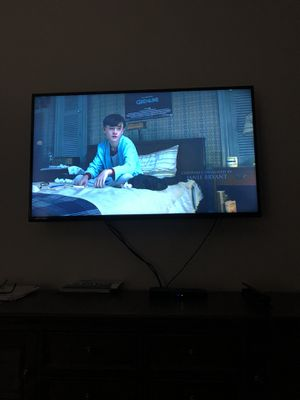"""32"""" inch Vizio TV w/remote for Sale in Columbus, OH"""