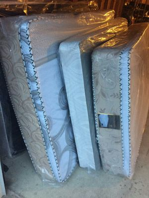 Mattress and box free delivery and for Sale in Chicago, IL