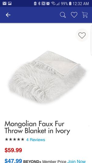 Fur throw blanket for Sale in Whittier, CA