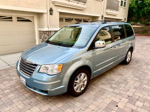 2008 Chrysler Town & Country Limited Minivan for Sale in Laguna Beach, CA