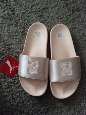 PUMA slides size 7.5 women's for Sale in Long Beach, CA