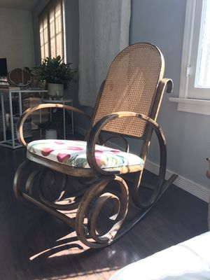 Rocking Chair Antique for Sale in Los Angeles, CA