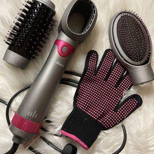 WhatWirhaut Air Brush Hair Dryer Volumizer Curler Straightener Styler Scalp Massager 3 In 1 for Sale in Los Angeles, CA