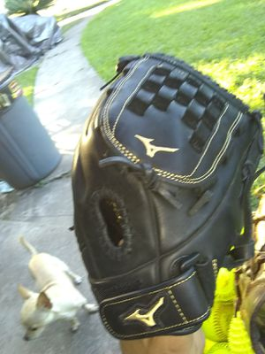 Mizuno MVP PRIME 12in Fastpitch Softball Glove for Sale in Houston, TX