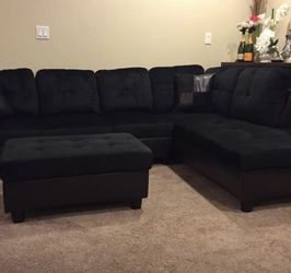 Midnight Black Microfiber Sectional Couch And Ottoman for Sale in Newcastle,  WA